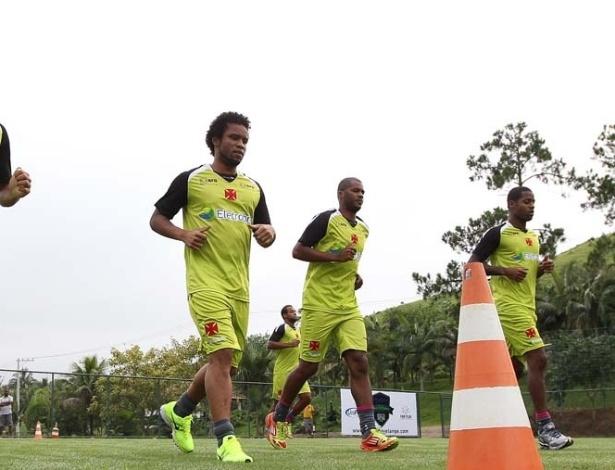 Carlos Alberto trabalha ao lado de Dedé e companheiros na pré-temporada do Vasco (05/01/2013)
