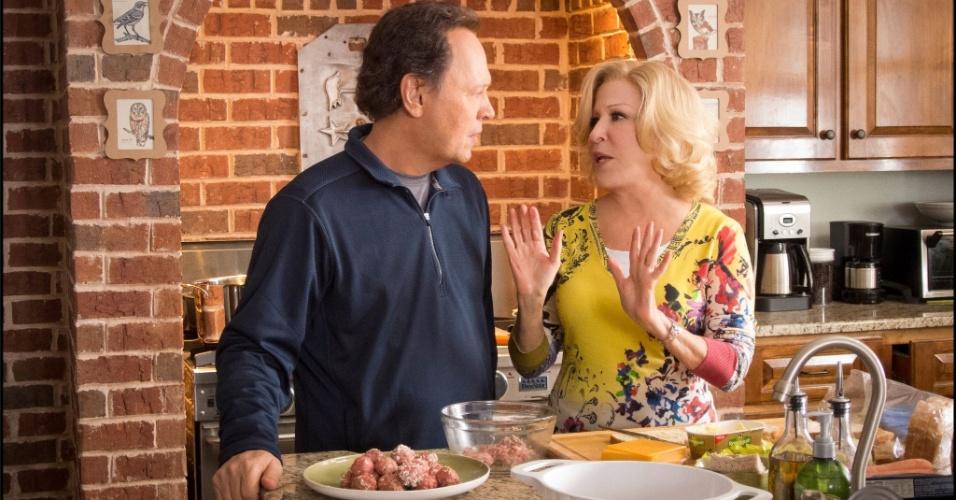 """7.jan.2013 - Cena da comédia """"Uma Família em Apuros"""", de Andy Fickman, estrelada por Billy Cristal e Bette Midler"""