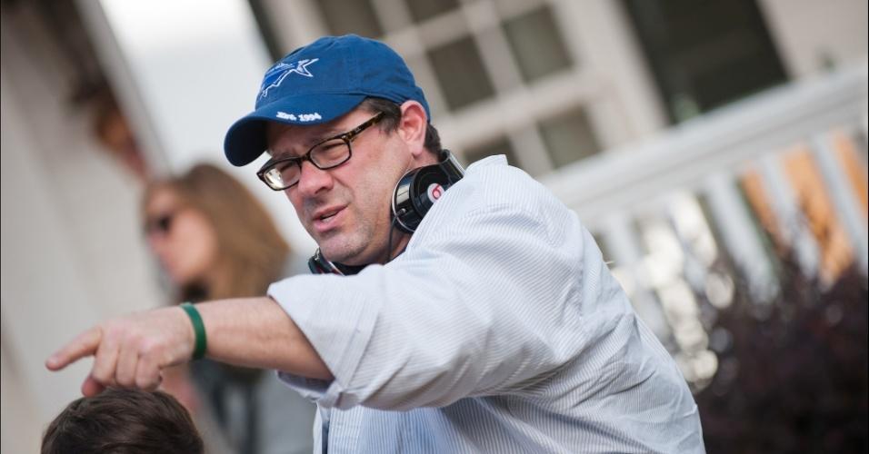 """7.jan.2013 - Diretor Andy Fickman durante filmagens da comédia """"Uma Família em Apuros"""", estrelada por Billy Cristal e Bette Midler"""