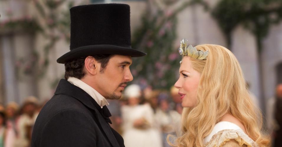 """James Franco e Michelle Williams em cena de """"Oz: Mágico e Poderoso"""", filme de Sam Raimi"""