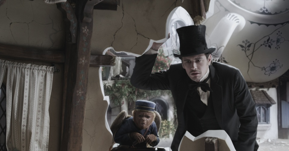"""James Franco em cena de """"Oz: Mágico e Poderoso"""", filme de Sam Raimi"""