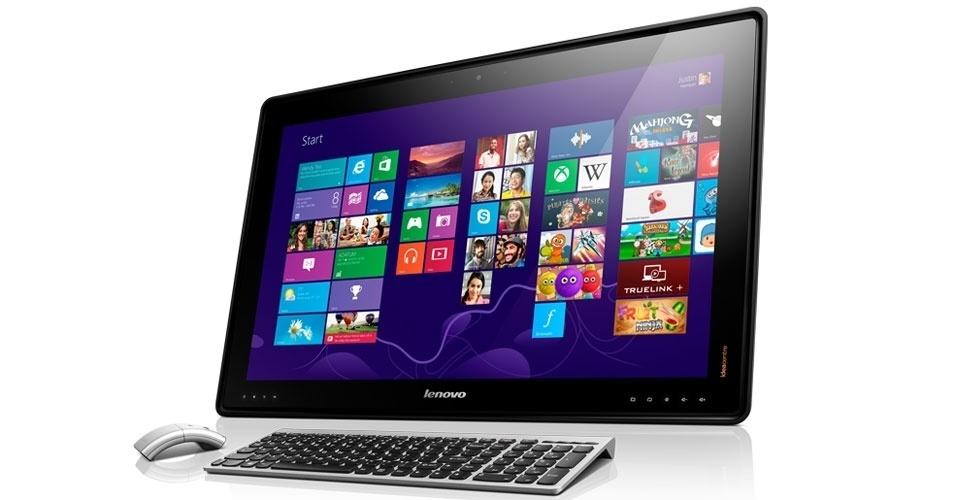 8.jan.2013 - Na onda dos tablets avantajados, a Lenovo apresentou o IdeaCentre Horizon Table PC, que será lançado no final do primeiro semestre por US$ 1.700 (cerca de R$ 3.400). Com tela de 27 polegadas e sistema operacional Windows 8, o portátil tem tela sensível a múltiplos toques. ''Ele pode ficar deitado sobre a mesa, permitindo que duas ou mais pessoas usem a tela ao mesmo tempo'', explicou a empresa. A novidade tem processador Intel Core i7, até 8 GB de RAM e 1 terabyte para armazenamento. A empresa não informa se mouse e teclado da foto acima acompanham o produto