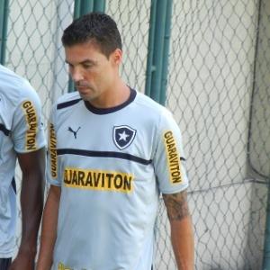 Bolívar está treinando com os novos companheiros desde terça, mas só nesta quinta foi anunciado