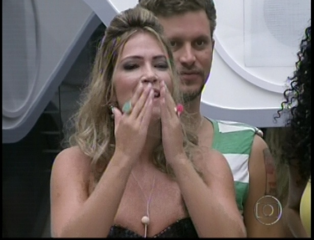 Fani do BBB7 entra no BBB13