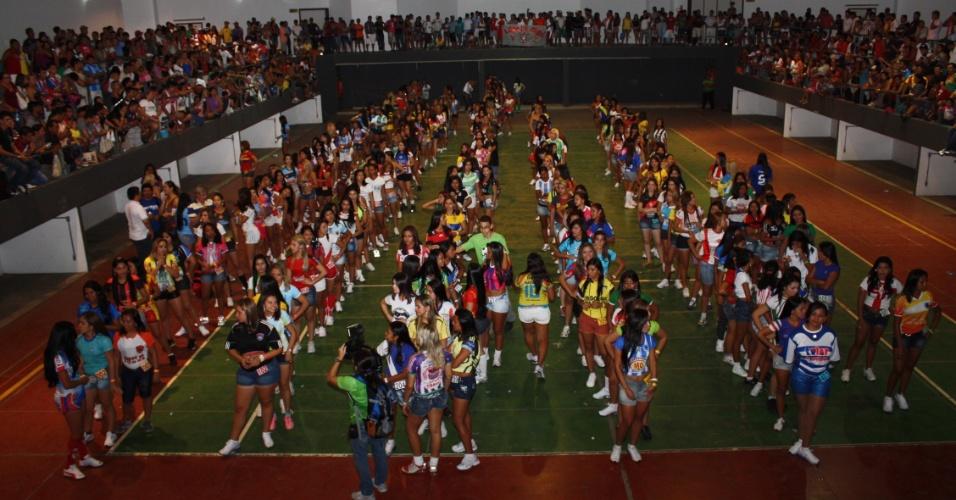 Presença das rainhas das equipes na festa de abertura assegura a participação das equipes no torneio amador amazonense