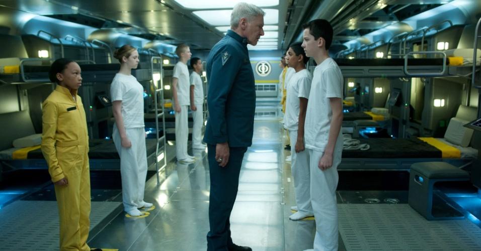 """10.jan.2013 - Cena do filme """"Ender's Game"""", dirigido por Gavin Hood e estrelado por Harrison Ford e Abigail Breslin"""