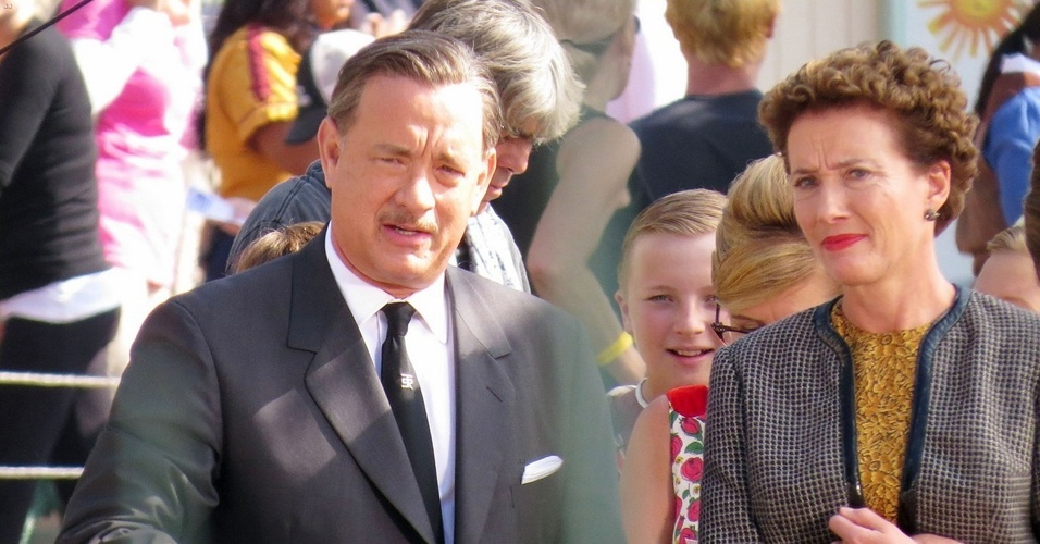 """10.jan.2013 - Tom Hanks durante as filmagens de """"Saving Mr. Banks"""", filme no qual o ator interpreta Walt Disney"""