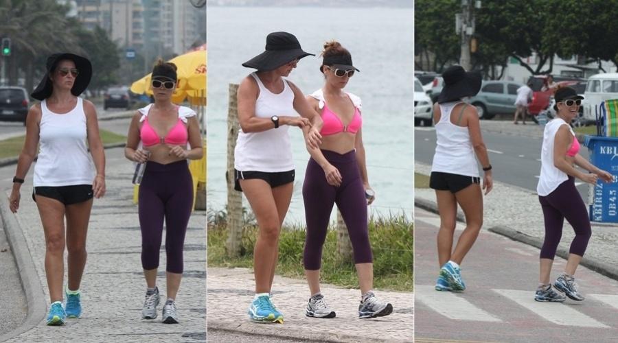 9.jan.2013 - Acompanhada de uma amiga, Giovanna Antonelli se exercitou pela orla da praia da Barra da Tijuca, zona oeste do Rio. A atriz está no ar em