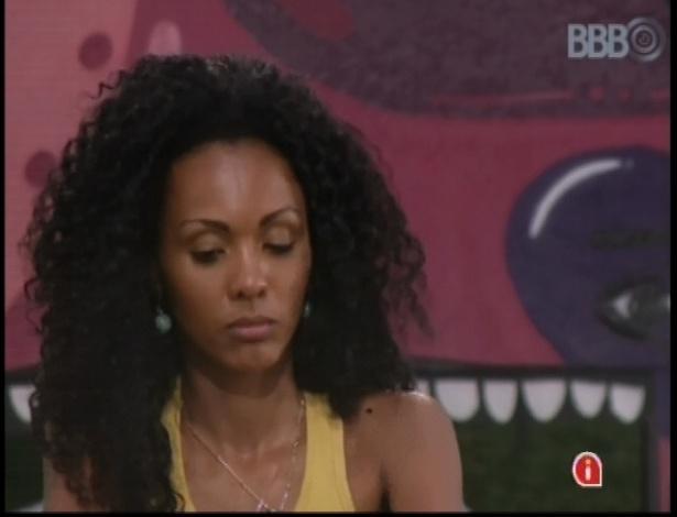 9.jan.2013 - Aline discute com Bambam durante prova de resistência