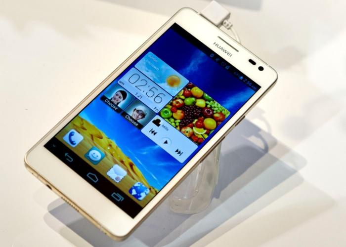 Outra novidade da Huawei é o Ascend D2, smartphone quad-core com tela de 5 polegadas de alta resolução. O aparelho tem 1.920 x 1.080 pixels, com concentração de 443 pixels por polegada, uma das maiores dessa categoria de aparelhos. Ele traz ainda câmera de 13 megapixels e Android 4.1 (Jelly Bean). Será lançado ainda em janeiro, por preço não divulgado