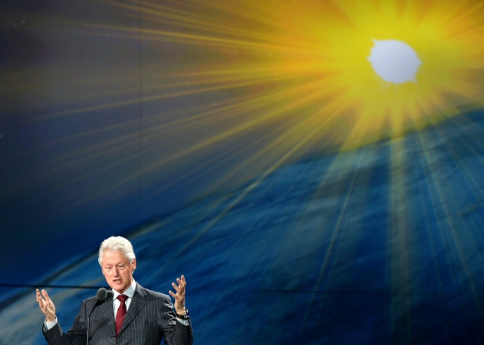 10.jan.2013 - Bill Clinton, ex-presidente dos Estados Unidos, participou de evento da Samsung na quarta-feira (9). Ele é embaixador do programa Samsung Hope for Children, que oferece educação a crianças