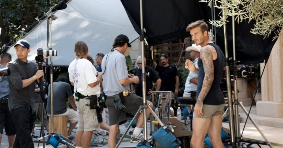 Jan.2013 - David Beckham grava um comercial para sua nova coleção de cuecas em parceria com a grife sueca H&M