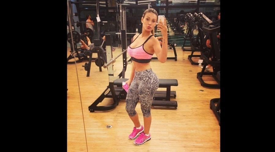 11.jan.2013 - A vice Miss Bumbum, Andressa Urach, divulgou uma imagem onde aparece na academia