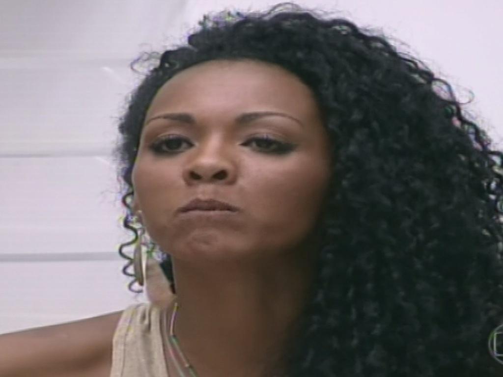 11.jan.2013 - Aline discute com Bambam no programa ao vivo