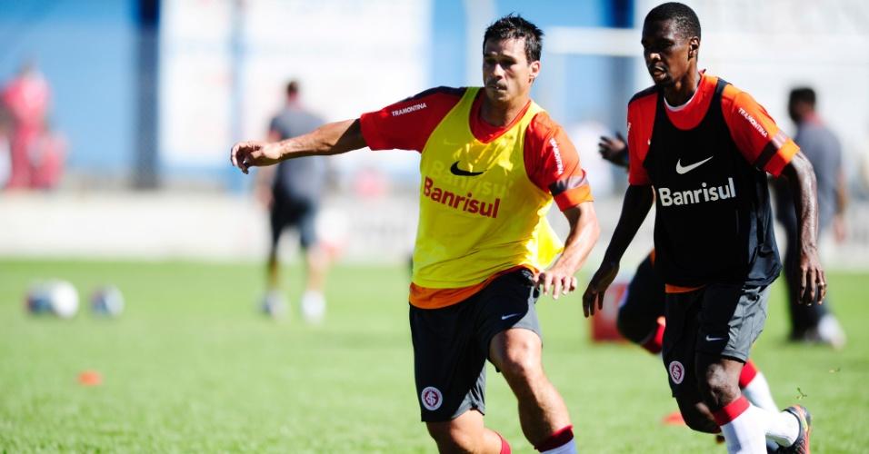 Zagueiro Índio e Juan durante um treino do Inter na pré-temporada realizada em Gramado (10/01/2013)