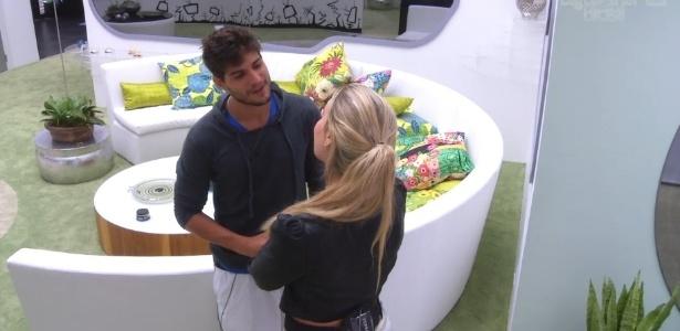 13.jan.2013 - André e Fernanda fazem a primeira discussão de relacionamento do
