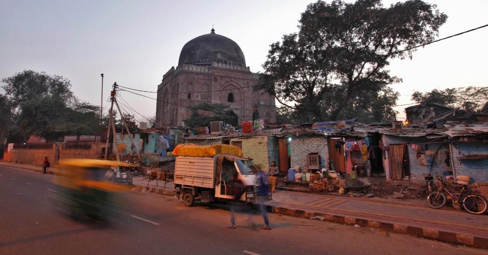 12.jan.2013 - Ravidas Camp, favela onde residem quatro dos seis acusados ??pela polícia no caso de estupro coletivo de uma jovem em Nova Déli, Índia
