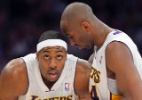 Sem Gasol, Kobe manda recado direto para Dwight Howard: &quot;Precisamos de urgncia&quot;
