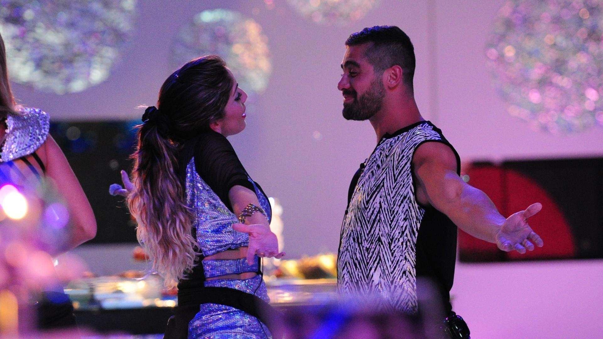 13.jan.2013 - Maroca e Yuri na pista da Festa Espacial