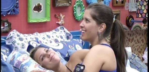 14.jan.2013 - Andressa mostrou-se arrependida em conversa com Marien sobre ter dormido com Nasser. Ela tem um namorado fora da casa há nove anos.