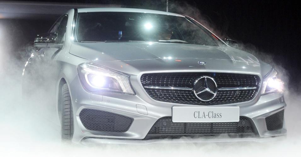 Importados naturalizados fotos uol carros for Mercedes benz cla 500
