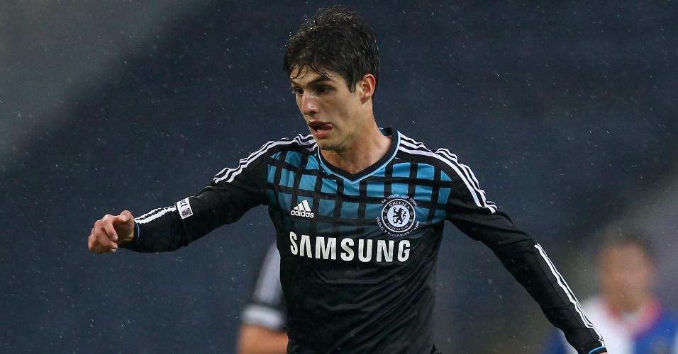 09.mai.2012 - Lucas Piazon em ação pelo time sub-18 do Chelsea contra o Blackburn, pela Copa da Inglaterra sub-18