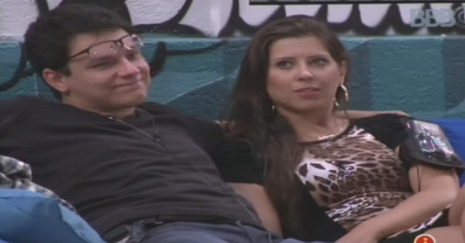 15.jan.2013 - Ivan diz a Andressa que quer muito ficar na casa do