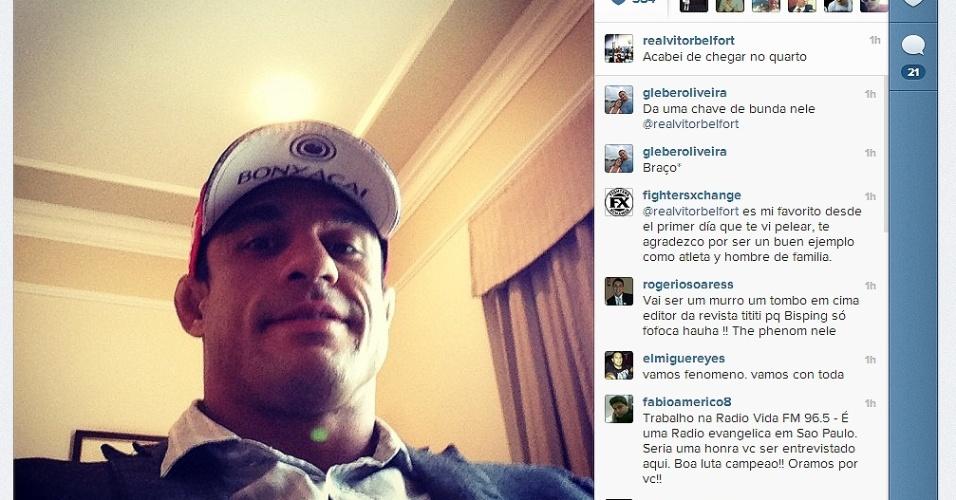 15.jan.2013 - Vitor Belfort chega a São Paulo para o UFC deste sábado