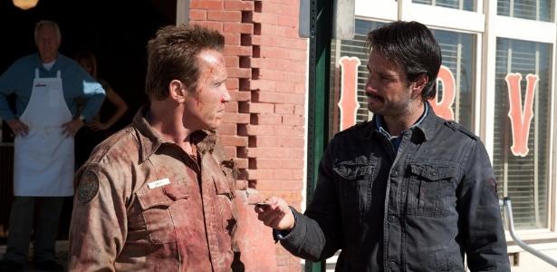 Arnold Schwarzenegger contracena com Rodrigo Santoro em O Último Desafio (2013)