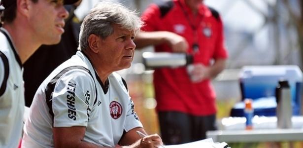 Arthur Bernardes, técnico da equipe sub-23 do Atlético-PR