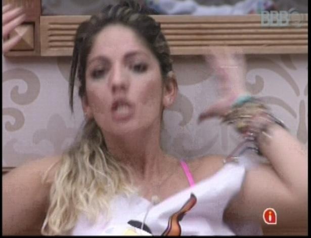 16.jan.2013 - Anamara sobre Eliéser: Uma atuação perfeita. O Manuel Carlos está perdendo. Um ator para as câmeras.