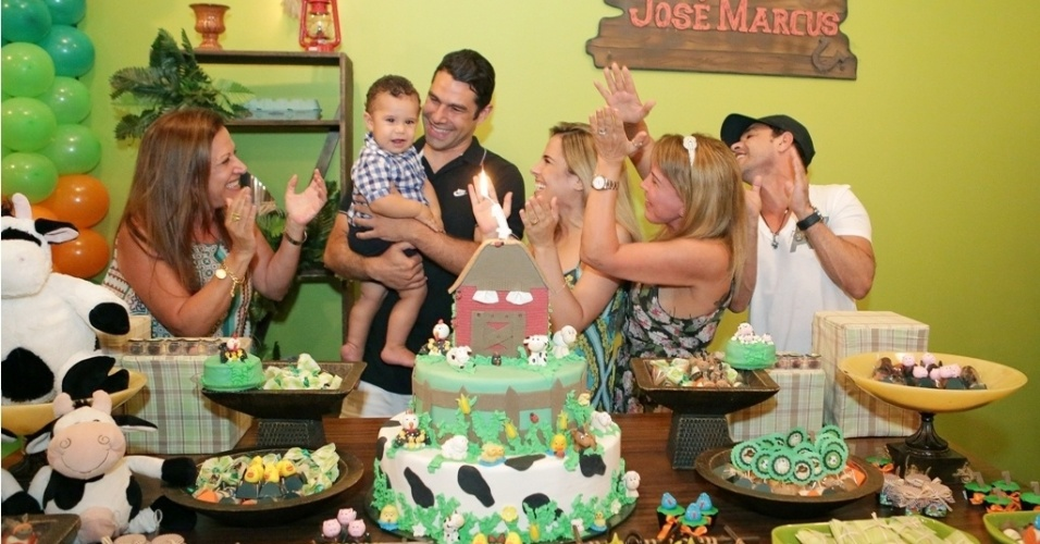 16.jan.2013 - Wanessa celebrou o primeiro ano do filho, Jos Marcus, com festa na fazenda da famlia em Goinia