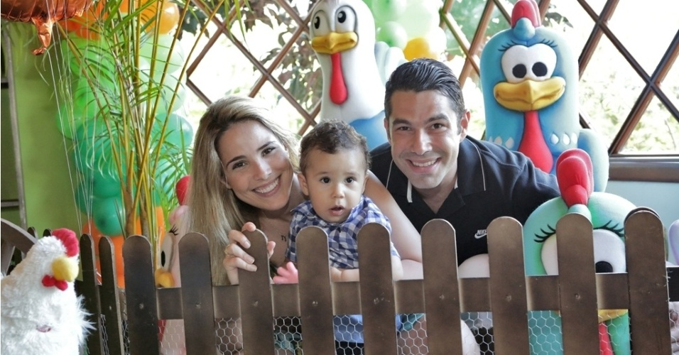 16.jan.2013 - Wanessa e o marido, Marcus Buaiz, celebraram o primeiro ano do filho, Jos Marcus, com festa na fazenda da famlia em Goinia