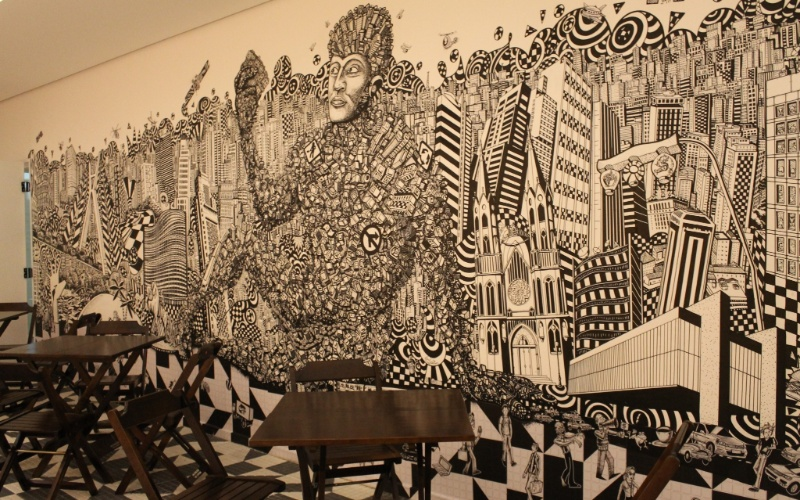 Na área de convivência do novo escritório do Google em São Paulo há um mural do artista plástico Vitor Rolim. Nele, basicamente, há elementos da cidade como o Estádio do Pacaembu e o Monumento às Bandeiras (conhecido como empurra-empurra), localizado na região do Parque Ibirapuera