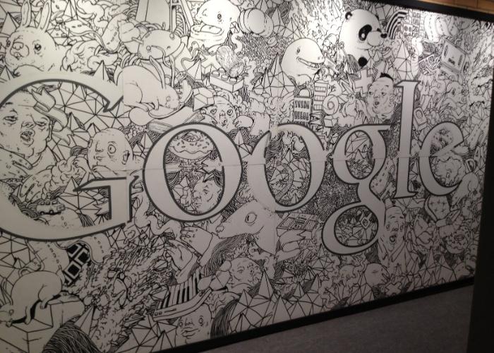 Painel que decora o novo escritório do Google em São Paulo; conheça