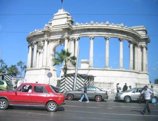 Praça de Ahmed Orabi, em homenagem ao general que lutou contra o domínio europeu no Egito, em 1879
