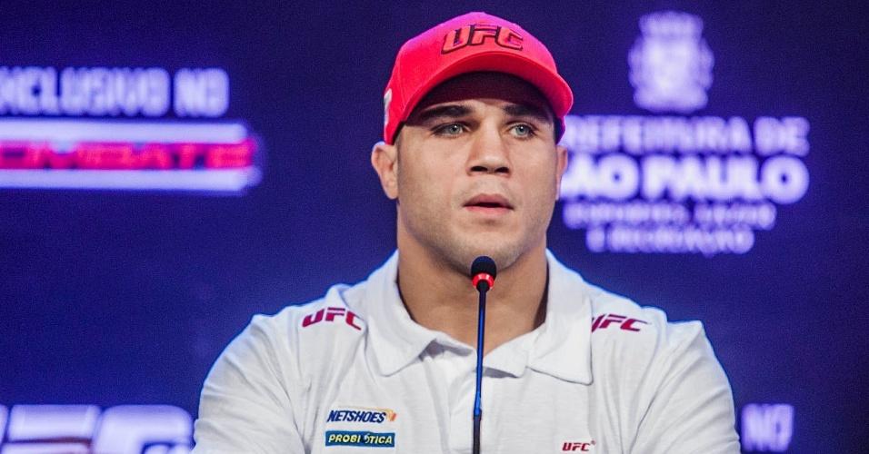 17.jan.2013 - Daniel Sarafian concede coletiva em hotel para o UFC SP