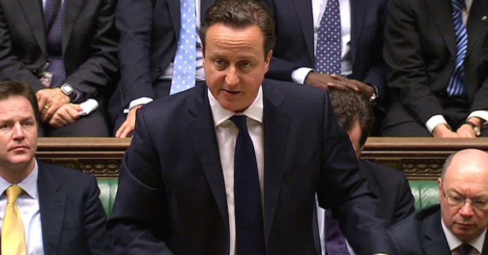 18.jan.2013- O premiê britânico, David Cameron, comenta sobre a crise no Mali em sessão no parlamento britânico. Além dele, o primeiro-ministro japonês, Shinzo Abe, cobrou do premiê argelino, Abdelmalek Sellal, detalhes da operação de resgate dos reféns estrangeiros sequestrados por grupos rebeldes em um campo de exploração de gás na Argélia. O sequestro foi uma retaliação contra o apoio do governo argelino à intervenção francesa no Mali