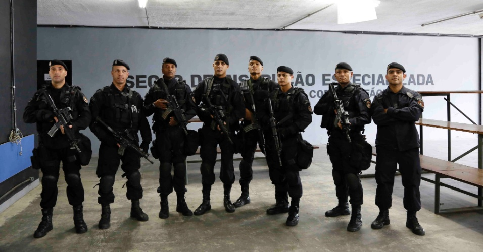 Equipe da Unidade de Intervenção Tático do Bope (Batalhão de Operações Especiais), especializada em ocorrências com reféns