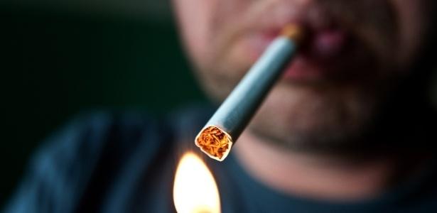 Cigarro: aumentar impostos e preço ainda é forma mais efetiva de reduzir consumo, diz especialista