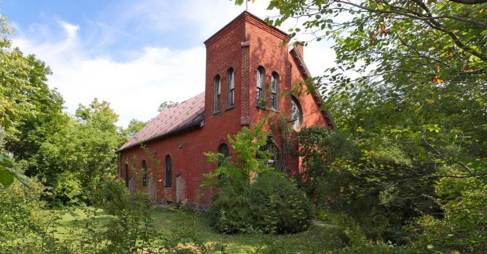 Igreja na cidade canadense de Farnham é posta à venda após servir de estúdio para dois álbuns do Arcade Fire