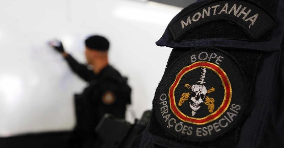 O símbolo da caveira simboliza o triunfo da vida sobre a morte, segundo o comando do Bope (Batalhão de Operações Especiais)