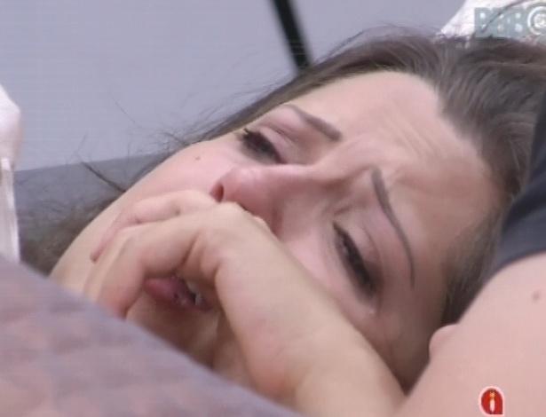 19.jan.2013 - Andressa chora para Ivan com medo da impressão que está passando para a família fora da casa