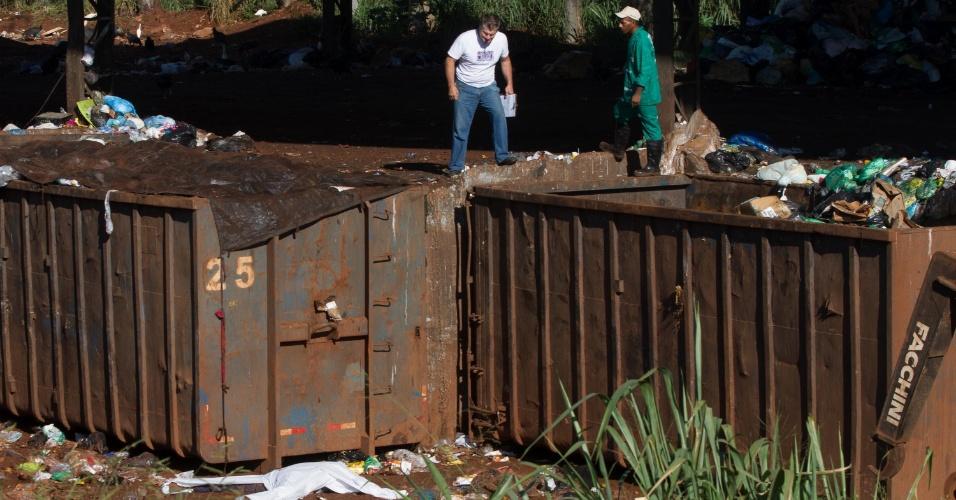 Um funcionário de uma empresa de limpeza urbana e coleta de resíduos morreu ao tentar descarregar um container no antigo aterro de Ribeirão Preto