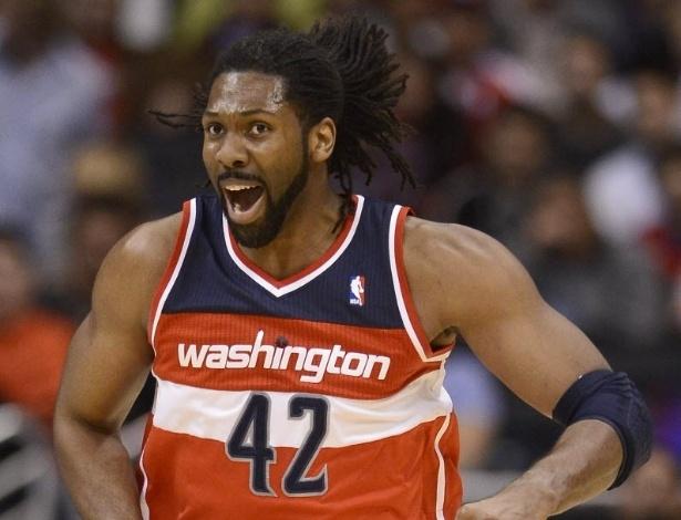 19.jan.2013 - Nenê teve 12 pontos e 7 rebotes, mas os Wizards perderam mais uma, agora para os Clippers