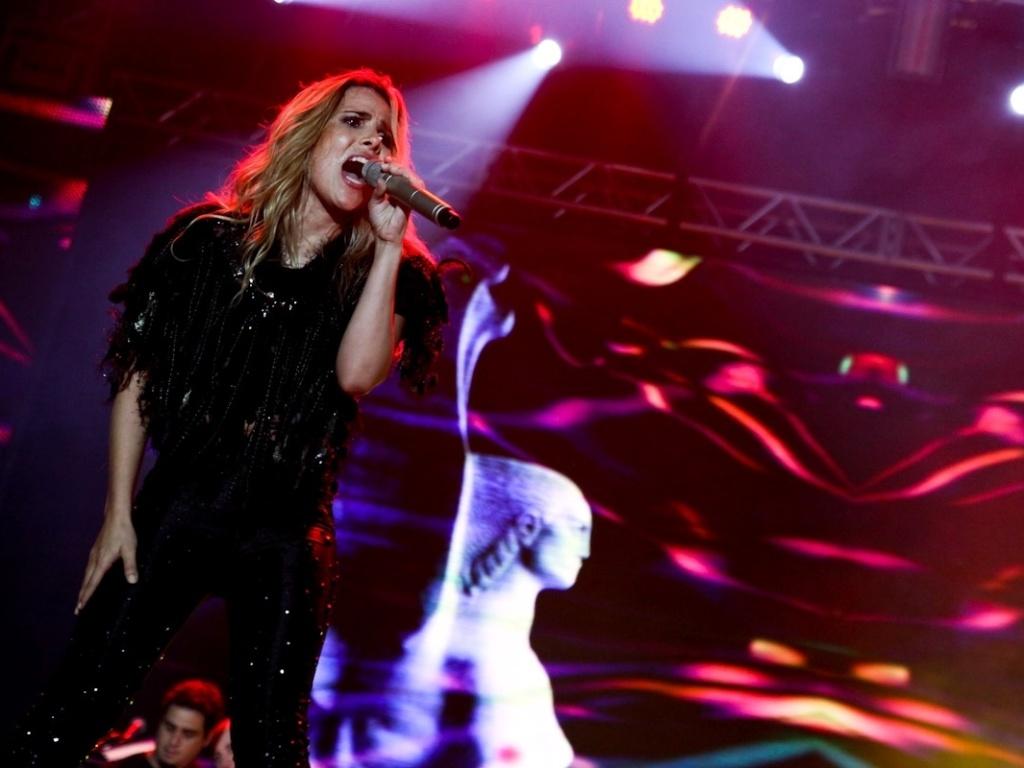 19.jan.2013 - Wanessa se apresenta em São Sebastião, litoral de São Paulo