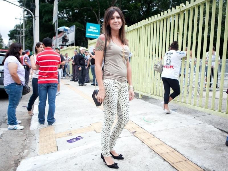 Jackeline Figueiredo, 39, empresária. Usa sapatos Constança Bastos, calça Animale, joias By Eulália, bolsa Michael Kors e blusa Lix Fashion (19/01/2013)