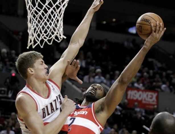 21.jan.2013 - Nenê anotou 24 pontos e pegou 9 rebotes na vitória do Washington Wizards sobre o Portland TrailBlazers, fora de casa