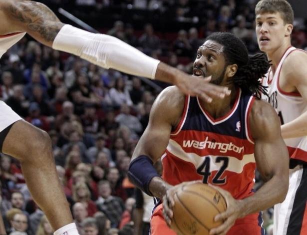 21.jan.2013 - Nenê teve boa atuação na surpreendente vitória dos Wizards, fora de casa, sobre os TrailBlazers