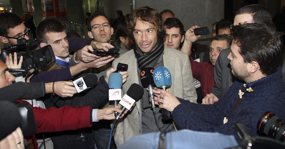22.jan.2013 - Lugano chega a Málaga para realizar exames médicos